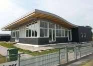 Maatwerk kunststof kozijnen Lemmer: Hockeyclubhuis